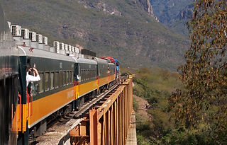Mexican passenger train winds its way up