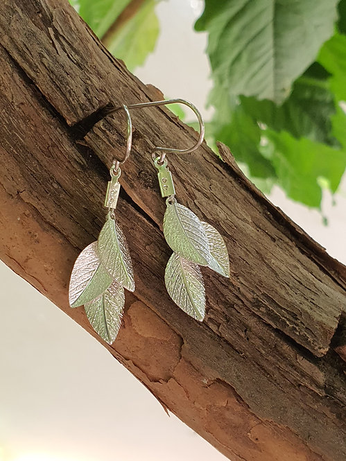 Short Earrings - Silver Leaves