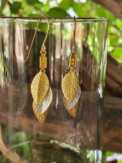 Short leaf Earrings - Gold, Silver, Gold