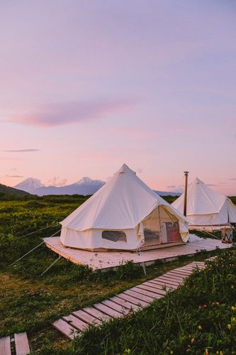 Tent Exterior01