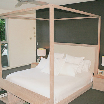 NOOSA RESIDENCE canopy bed, solid American white oak in a lime wash finish