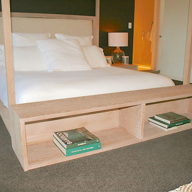 NOOSA RESIDENCE canopy bed-end, solid American white oak in a lime wash finish