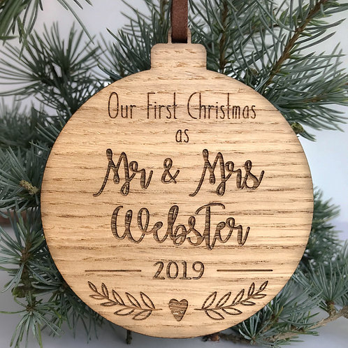 """Personalised """"Mr & Mrs"""" Bauble"""
