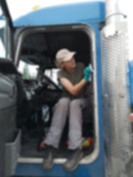 Jacqui Gunn detailing a truck
