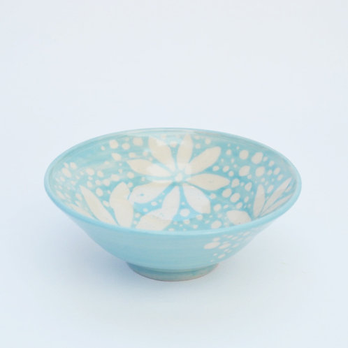 Bowl with daisy & dot design