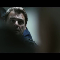 Dernier_étage_gauche_gauche_(2010)_Trailer.mp4