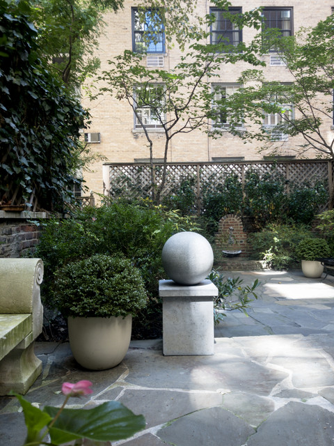 the cappiello_east67st.garden.jpg