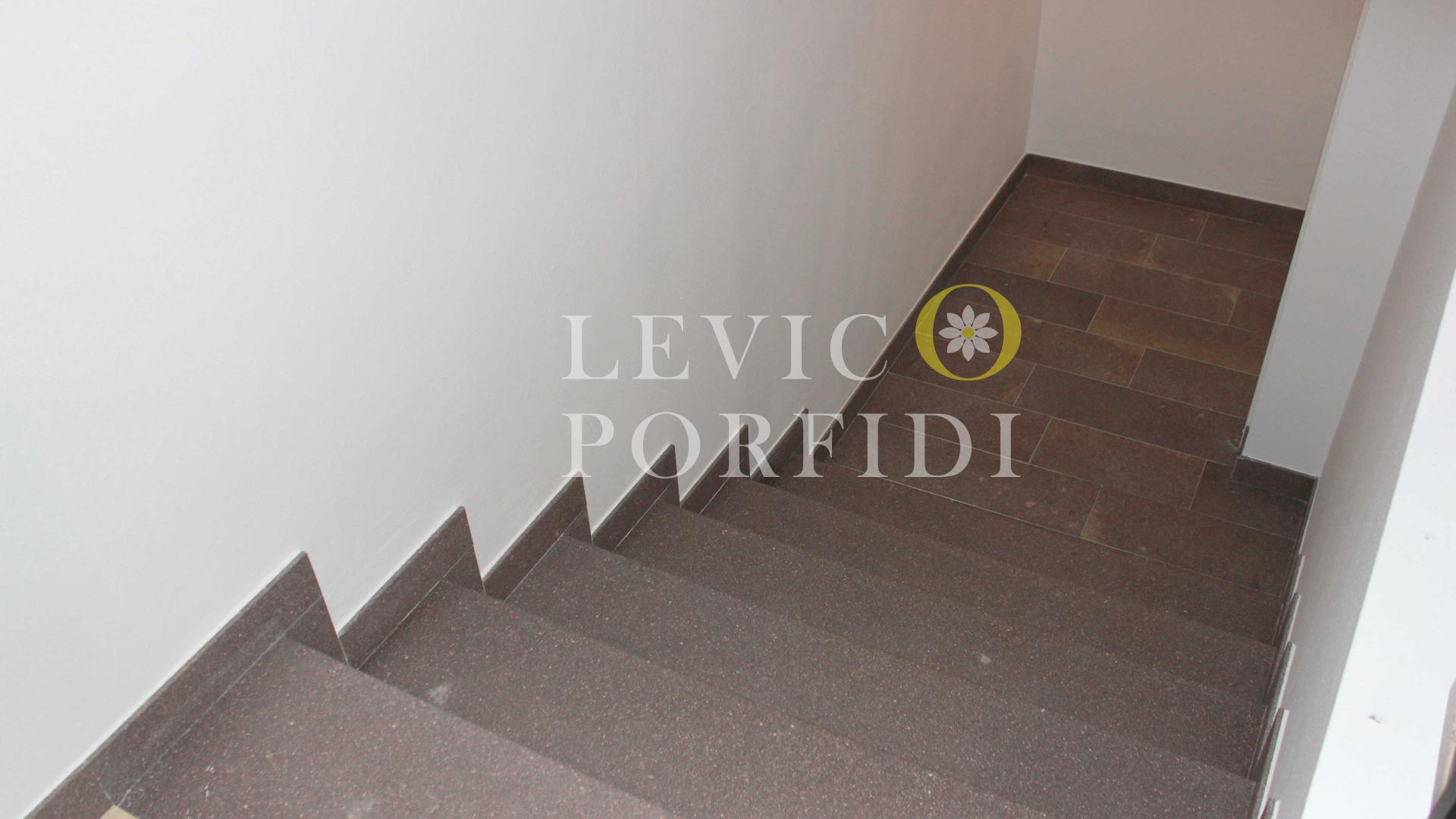 Scala e pavimentazione