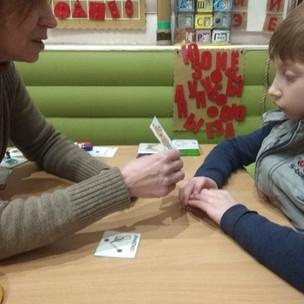 Обследование и оценка развития детей, нуждающихся в альтернативных средствах коммуникации