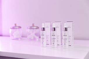 ILUMA-INTENSE-FACIAL-ILLUMINATOR-LIFESTY