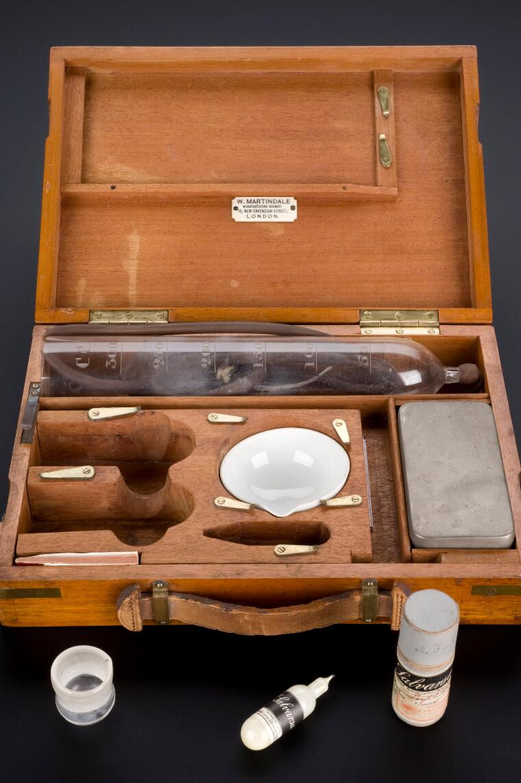 Salvarsan treatment kit for syphilis