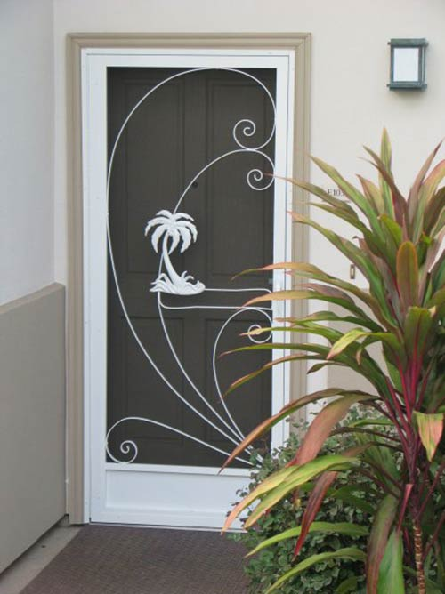 Vintage-palm-tree-screen-door