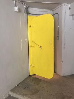 Submarine door.jpg