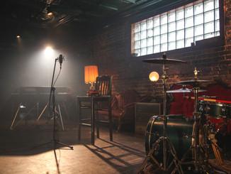 backstage Aria Rey