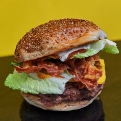 Burger bacon grillé