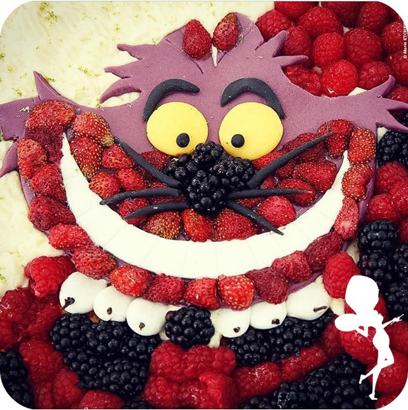 """CHESHIRE CAT BIG PIE"""