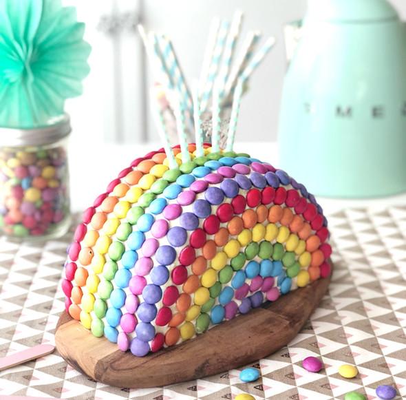 """""""SMARTIES CAKE"""""""