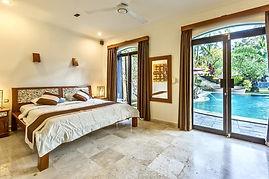 Bali queen room