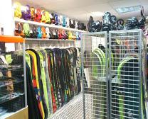 mejores tiendas de snowboard madrid  black in black
