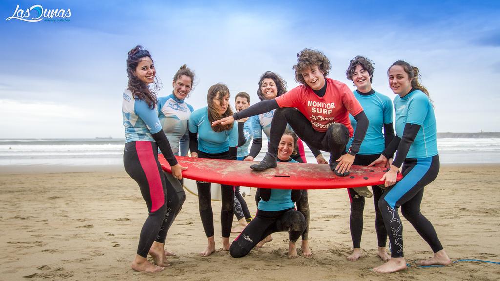 Las dunas surf camp