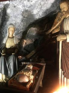 La grotte réalisée par l'équipe du centre assomption à l'occasion de la période de noël