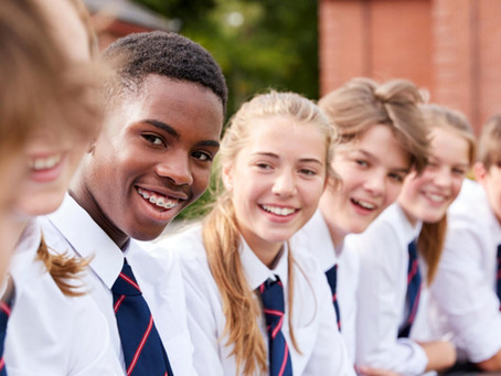 How many pupils pass the 11+ each year in Buckinghamshire?