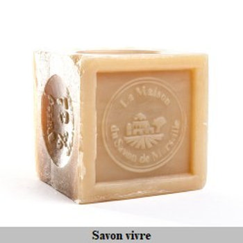 Savon de Marseille cube 300g huile végétale.