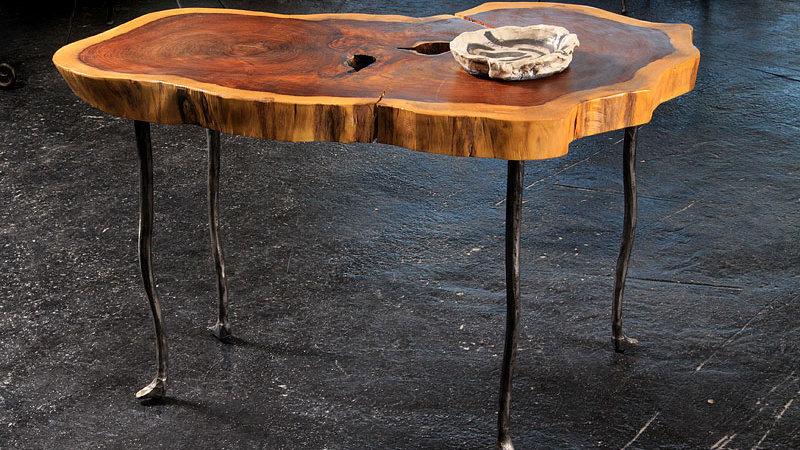 שולחן קפה - ברזל ועץ סיסם