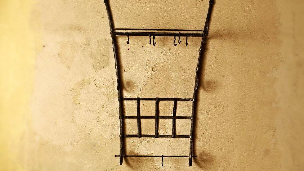 קולב קיר גדול לתיקים ומעילים