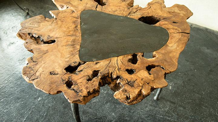 שולחן עץ טבעי ורגלי ברזל