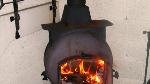תנור עצים - קמין