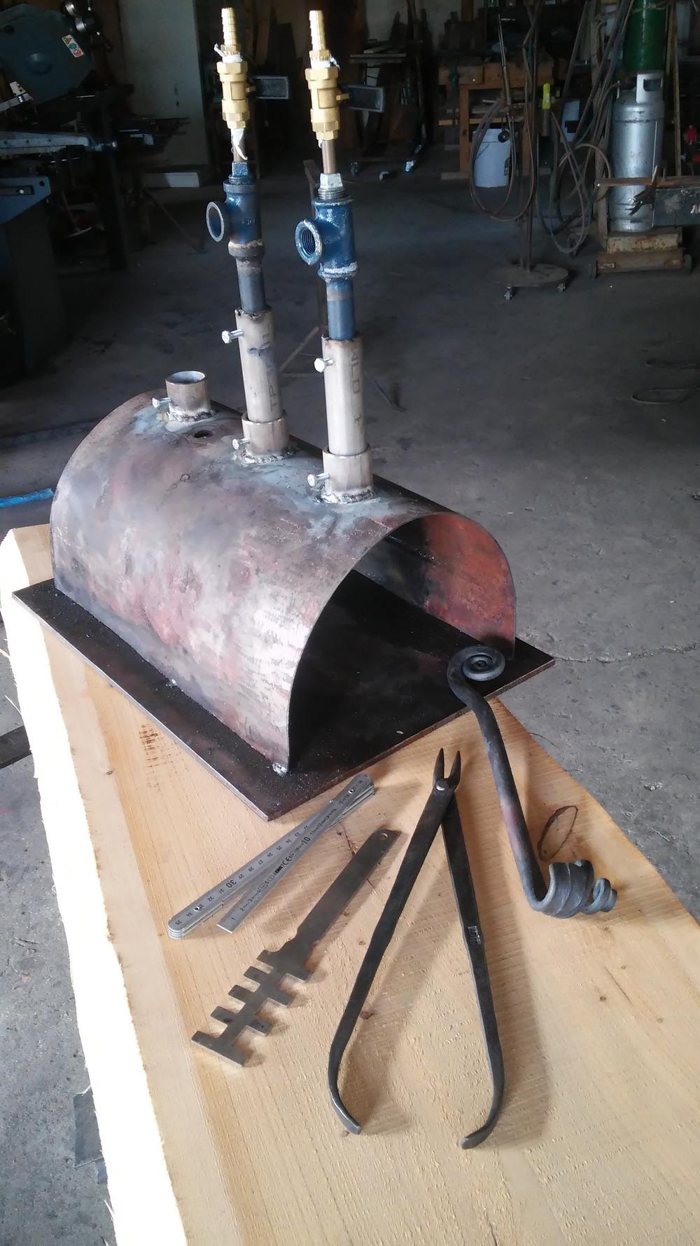 תנור גז לעבודות נפחות שבניתי יחד עם חופי