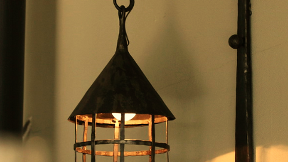 מנורת קיר חיצוני עם רשת בנפחות
