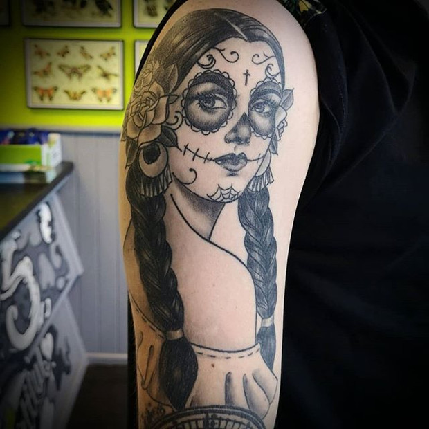 Neotraditional mexican day of the dead girl tattoo by Rosa Laguna