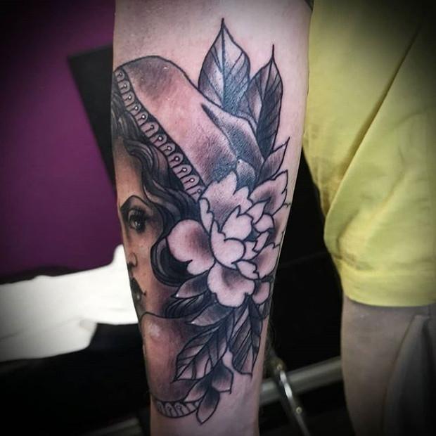 Peony tattoo by Rosa Laguna