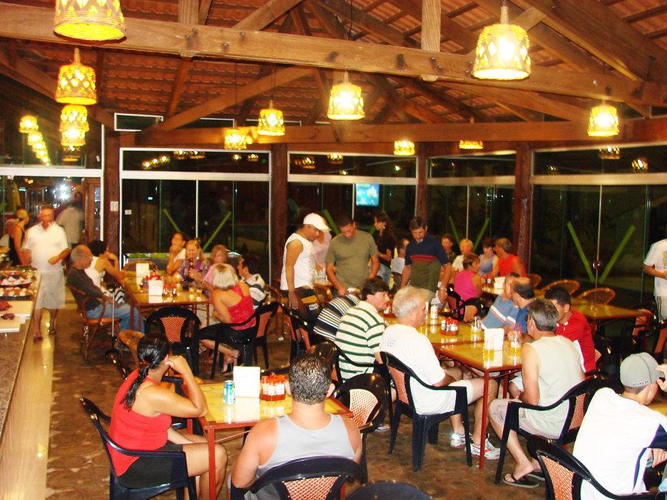 Restaurante rustico.jpg