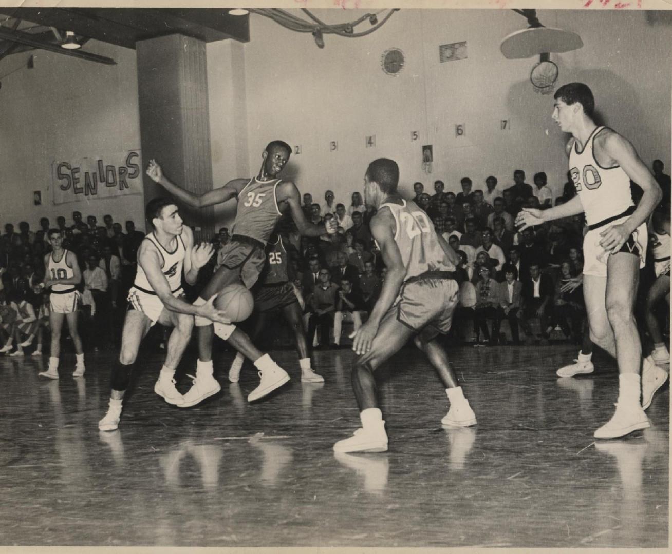basketball team-of-1965.jpg