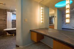 2nd Bedroom bathroom suite