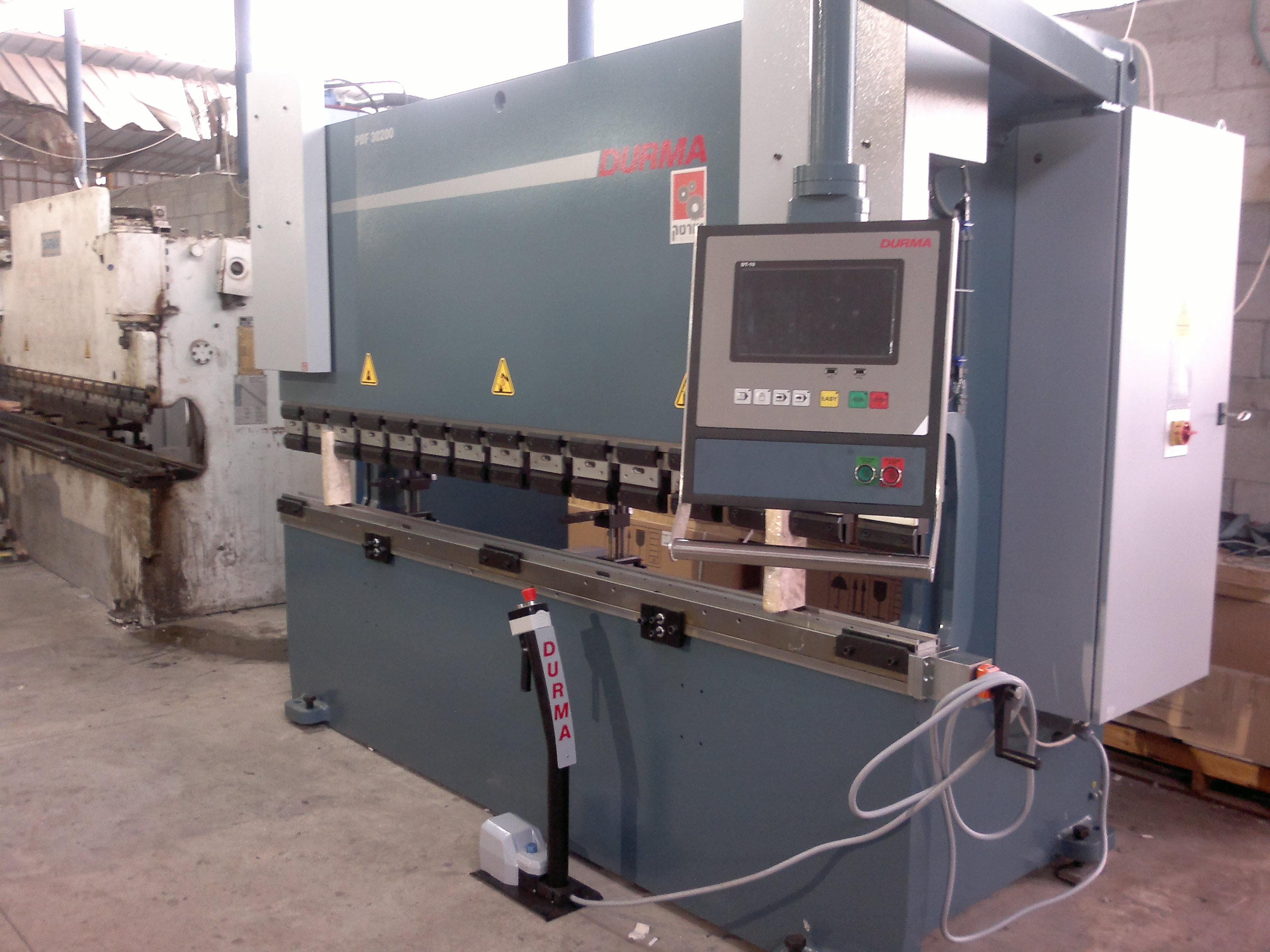מכבש כיפוף פחים CNC ברקפרס
