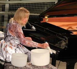 DK Bowls Piano Reach