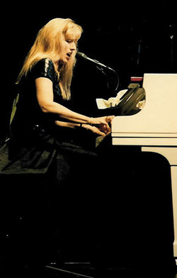 Darlene at Piano Live in Concert