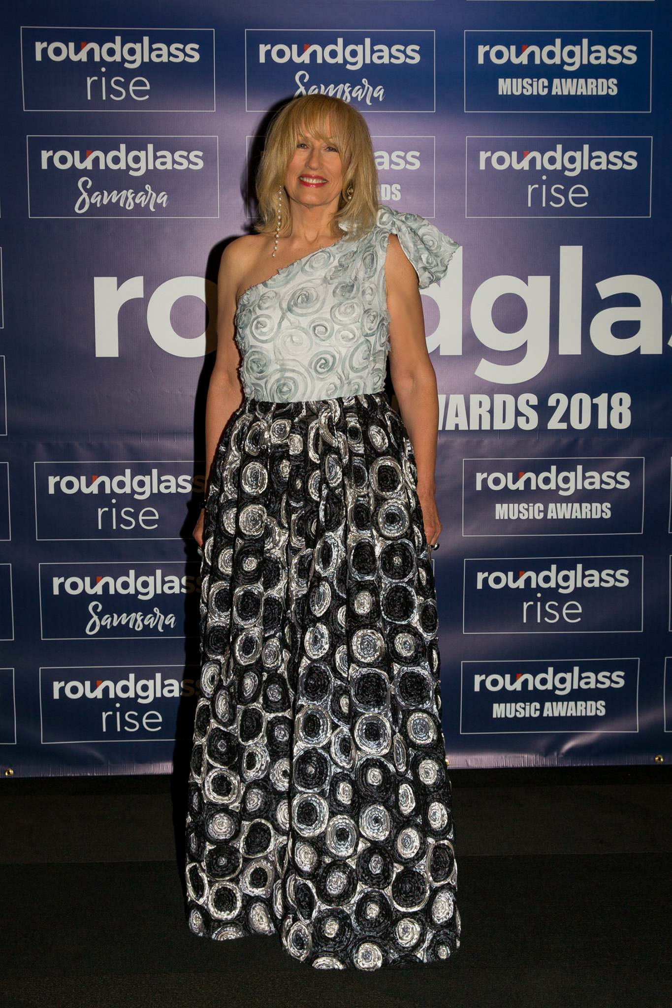 Red Carpet Roundglass