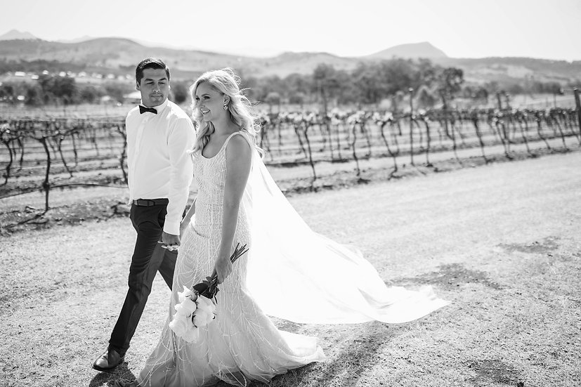 The Prosecco - Square-Neck Wedding Gown