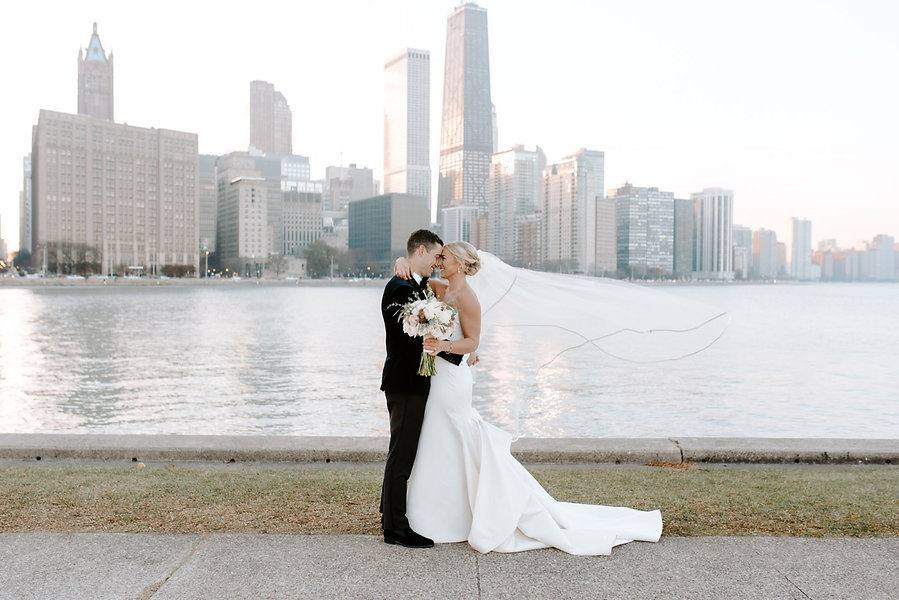 Chicago-Wedding-Photos-Photographer-Skyl