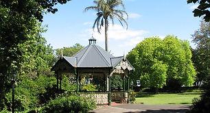 Alexandra gardens Kew, best wedding locations in Melbourne, wedding locations in victoria, wedding locations in Kew