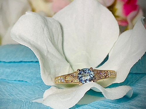 14KR Aquamarine and Diamond Ring