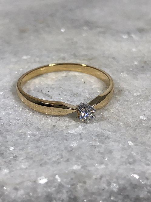 14K Yellow Gold 1/12ct Diamond Ring