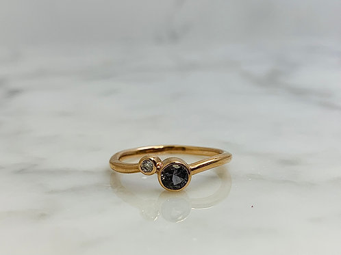 14KR Diamond and Gray Spinel Ring