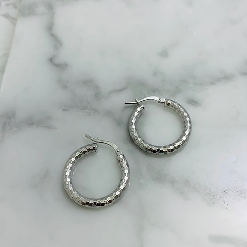 14KW Diamond-cut Hoop Earrings