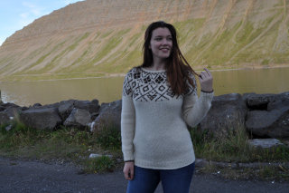 Lena sweater - Hand knitted for you from Mosa mjúkull